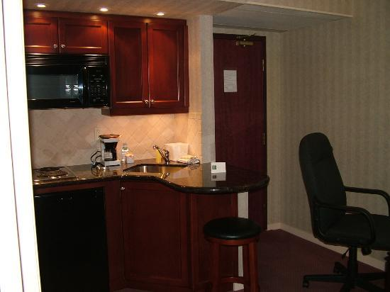 Extended Stay Canada - Toronto - Vaughan: the kitchen