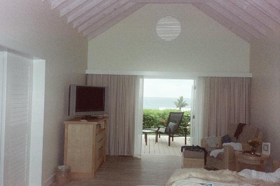 Elbow Beach, Bermuda: The bedroom of our Suite