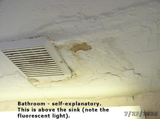 سوبر 8 سانت أوغسطين بيتش: bathroom ceiling