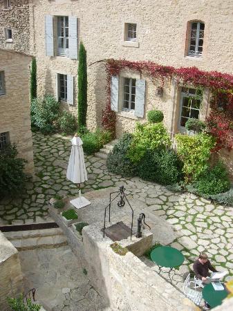 Hotel Crillon le Brave: Breakfast area from our balcony
