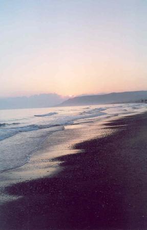 Mythos Palace: Sunrise on Georgioupolis Beach