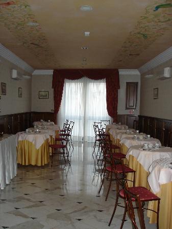 Hotel Boccaccio: Breakfast room