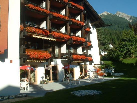 Seefeld in Tirol, Österreich: hotel garden
