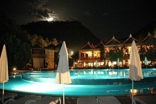 Hillside Beach Club: Pool2