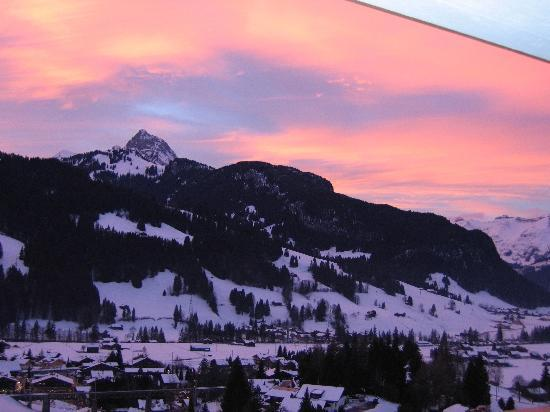 Hotel Le Grand Chalet: Sunset