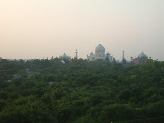 The Oberoi Amarvilas: View of the Taj during Sunrise