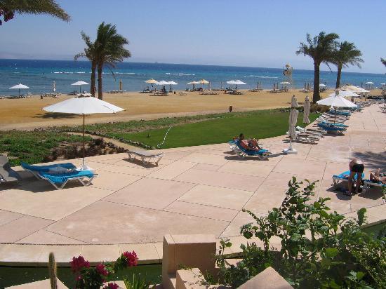 Sofitel Taba Heights: beach area