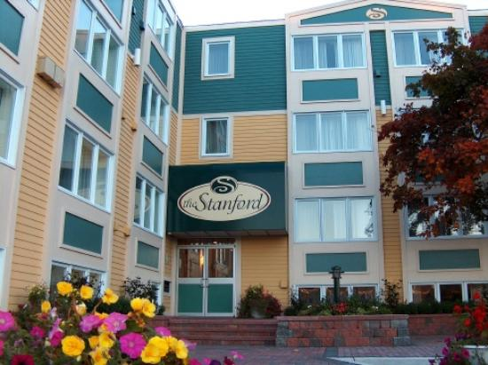 Extended Stay Canada - St. John's - Downtown: Main Entrance Of The Stanford