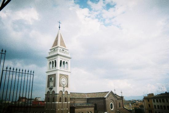 Hotel Laurentia: View of the church from our terrace