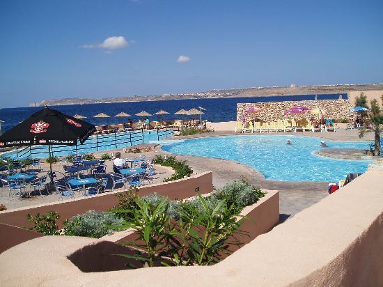Ramla Bay Resort: Pool area.