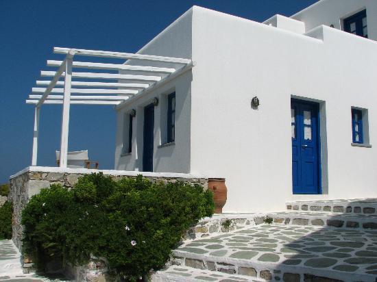 Anemomilos Apartments: our villa