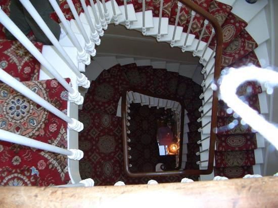 The Ben Doran Guest House: Top of the staircase