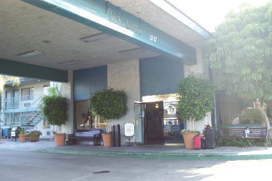 The Katella Palms Hotel at Disneyland Resort Photo