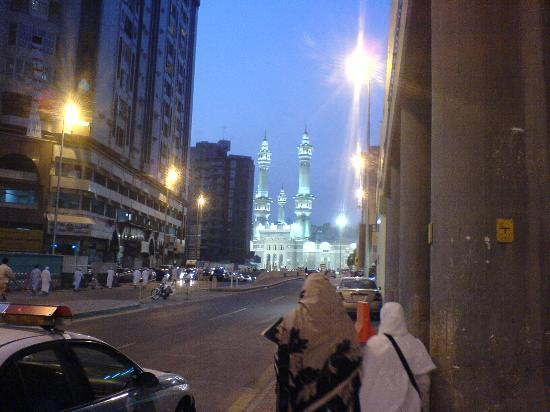 Elaf Ajyad Hotel : Walk from the hotel to Haram