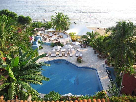 Aura del Mar Hotel: Pool and beach from room balcony