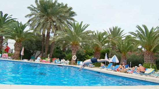 Hotel Kanta: Kanta's swimming pool
