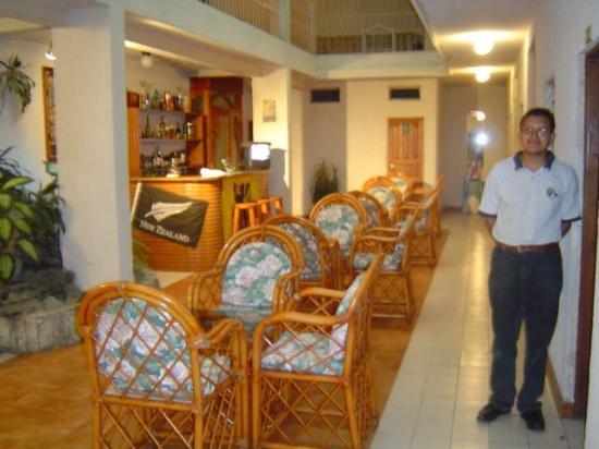 Hotel Cascata: Lobby Bar personnel