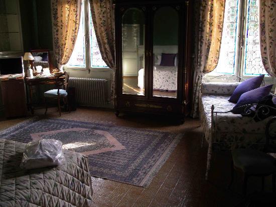 Le Manoir Saint Thomas : Our Room