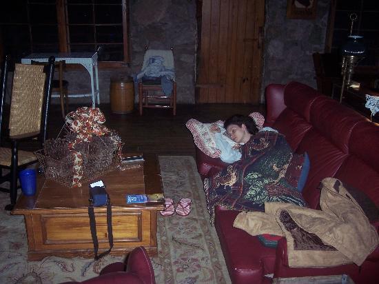 Smokey Shadows Lodge: Me napping on the sofa.