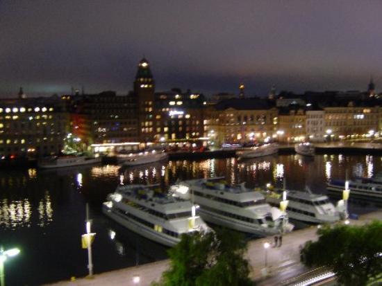 Hotel Diplomat: The view at night - Nybroviken