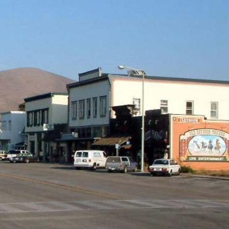 Cayucos Beach Inn: Walking Distance to Downtown/ Shops