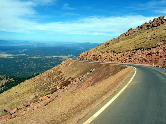 Pikes Peak: Section of paved road to summit