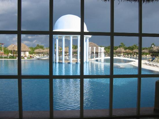 Iberostar Varadero: View from lobby to deep end of pool