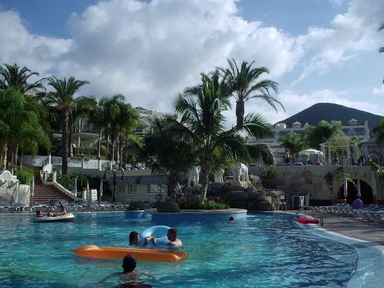 Gran Oasis Resort: Swimming pool (one of 3) Oasis Golf Resort