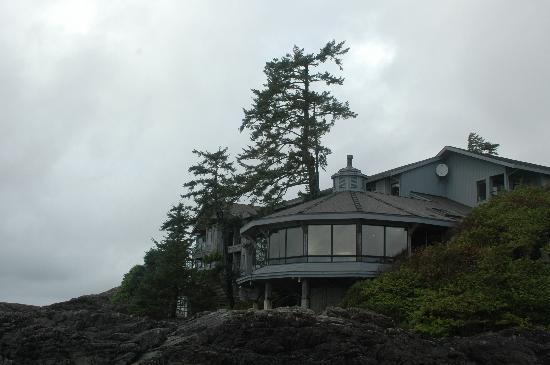 Wickaninnish Inn and The Pointe Restaurant: Restaurant from Beach