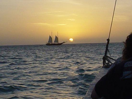 Aruba Beach Club: Picture of the Jolly pirate
