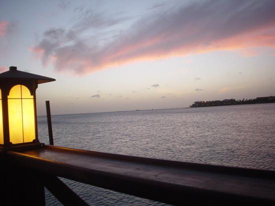 Aruba Beach Club: sunset from Pinchos