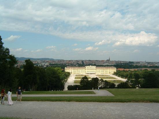 شويزر بنسيون سولدرار: Schoenbrunn Palace