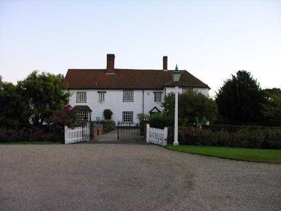 Warish Hall Farm: Front entrance to Warrish Hall Farm