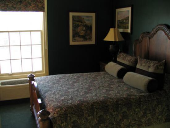 St. Brendan's Irish Inn: bedroom