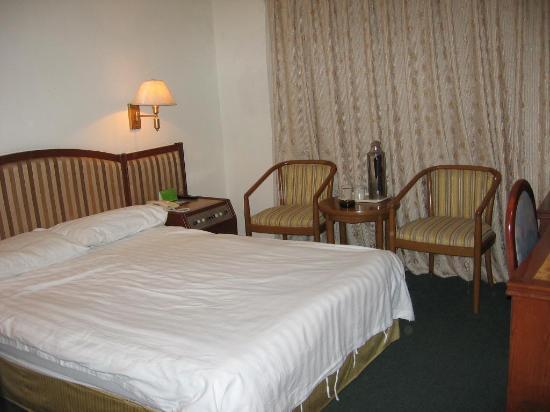 Rainbow Hotel: Bedroom