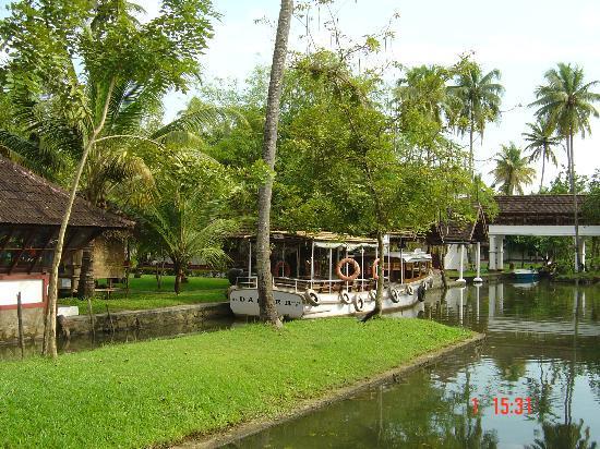Kumarakom, Indien: Canals inside Coconut Lagoon
