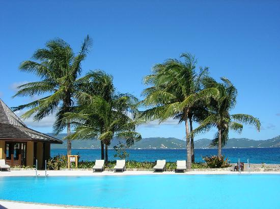 Peter Island Resort and Spa: Great pool with beautiful view behind