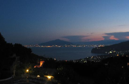 Hotel Iaccarino: Vesuvius from our balcony