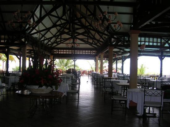 LUX* Le Morne: The main restaurant