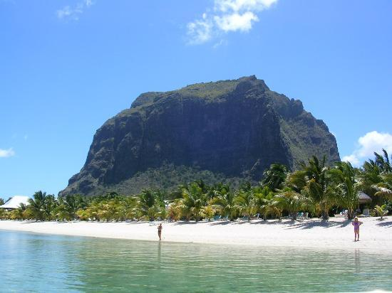 LUX* Le Morne: Mountain view from the sea