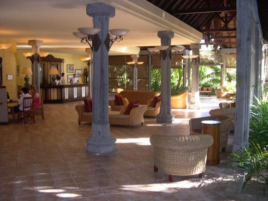 Dinarobin Beachcomber Golf Resort & Spa: Main reception