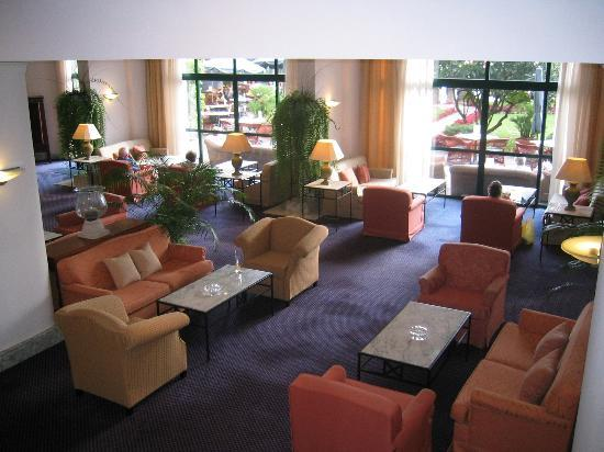 Hotel The Cliff Bay: one of the lounge areas