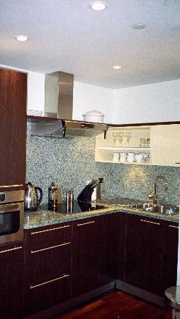 Cheval Phoenix House: Kitchen.
