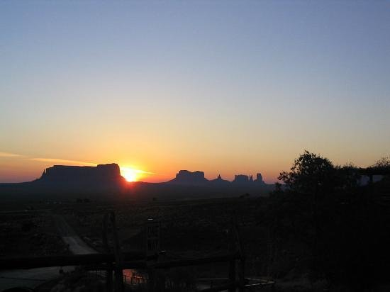 Goulding's Lodge & Campground: Monument Valley Sunrise