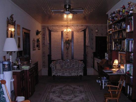 The Richert Inn : Upstairs Hallway