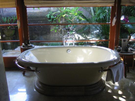 Four Seasons Resort Bali at Jimbaran Bay: Soaking Tub