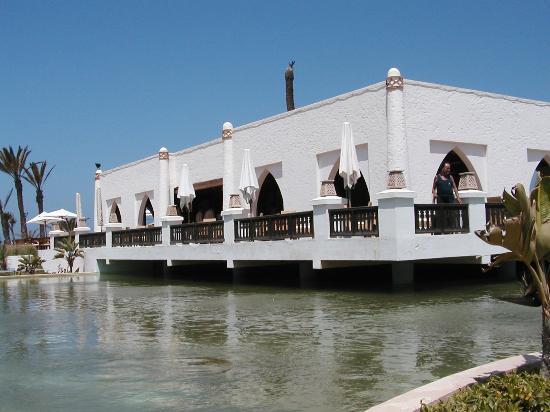 Palais des Roses: Pool Restaurant