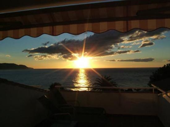 Parador de Nerja: Sunrise at Nerja Parador