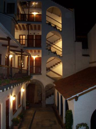 Hotel Rosario La Paz: inner courtyard of the Rosario