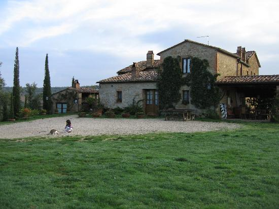 Agriturismo Cretaiole di Luciano Moricciani: The 14th-century farmhouse